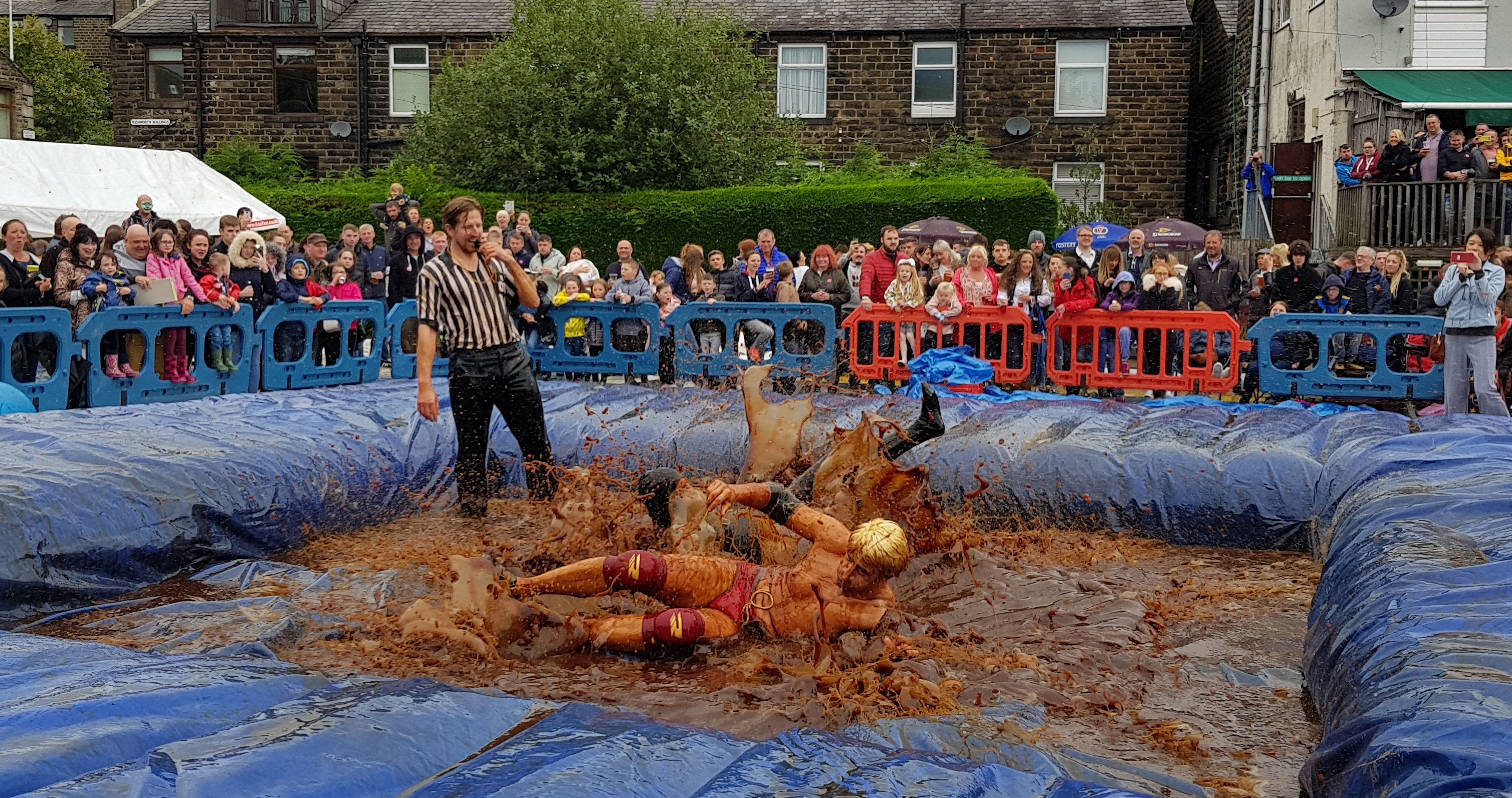 Gravy Wrestling 2018 - All Black Pudding Natures Gravy 2