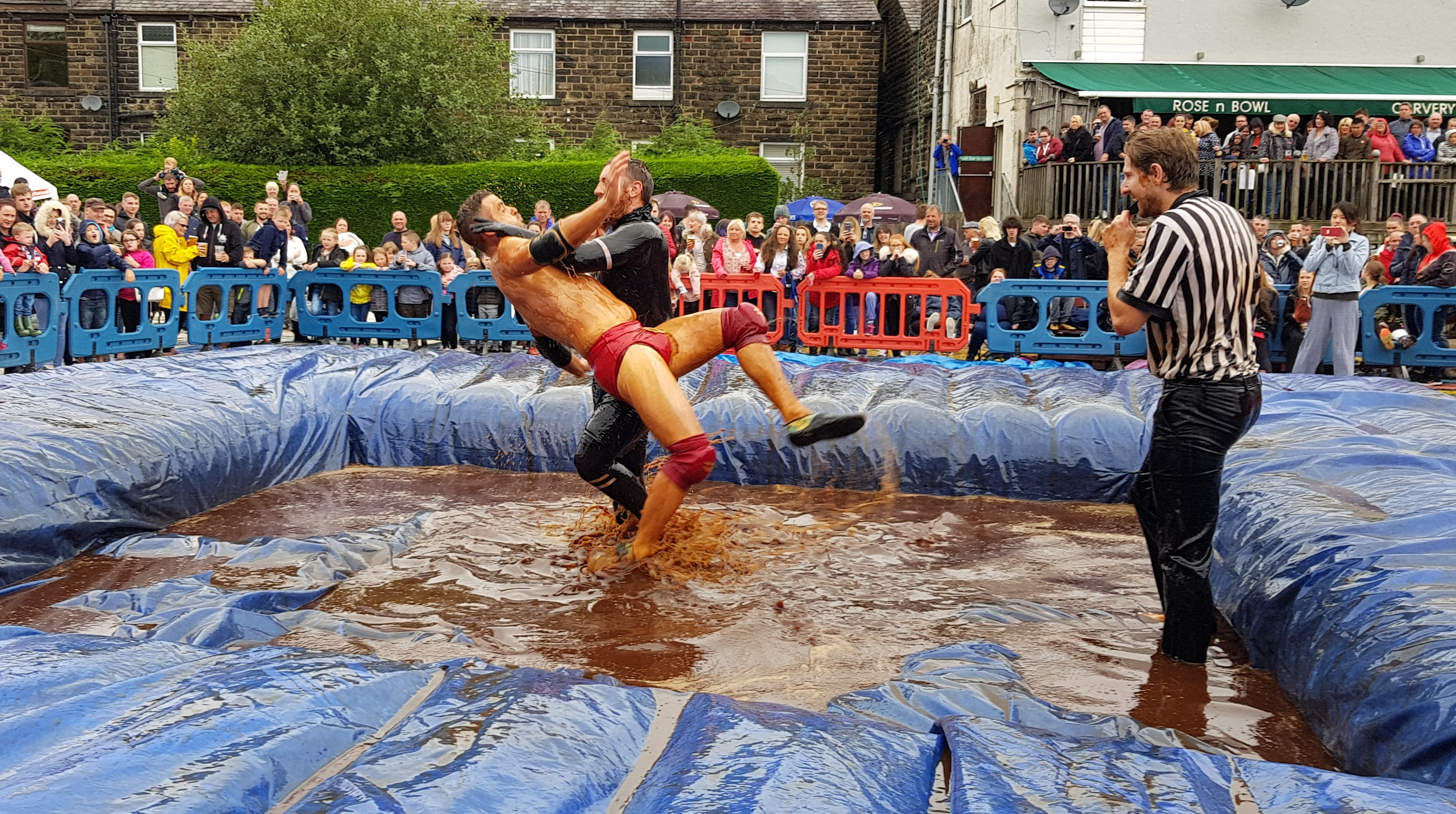 Gravy Wrestling 2018 - All Black Pudding Natures Gravy 4