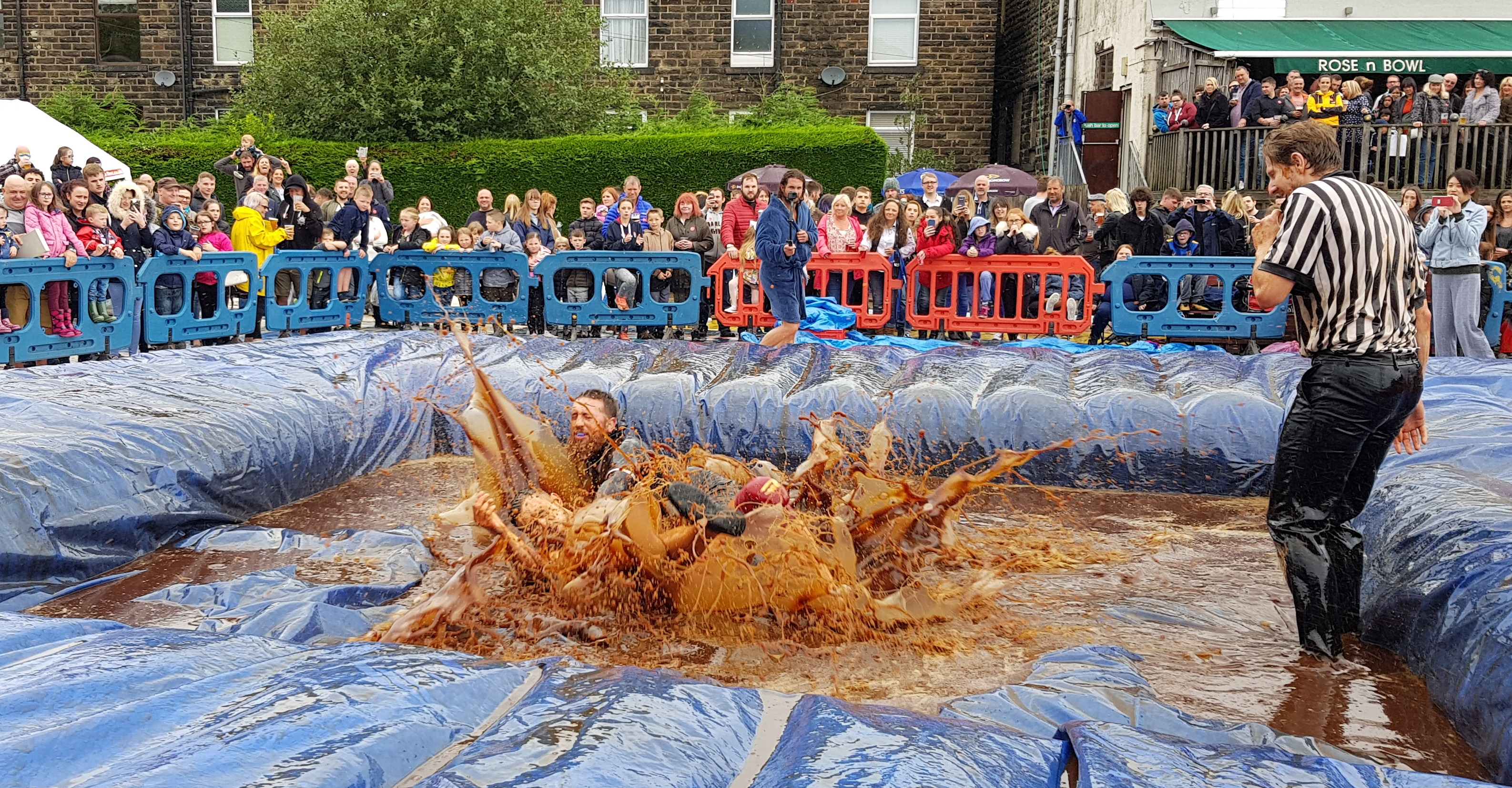 Gravy Wrestling 2018 - All Black Pudding Natures Gravy 6