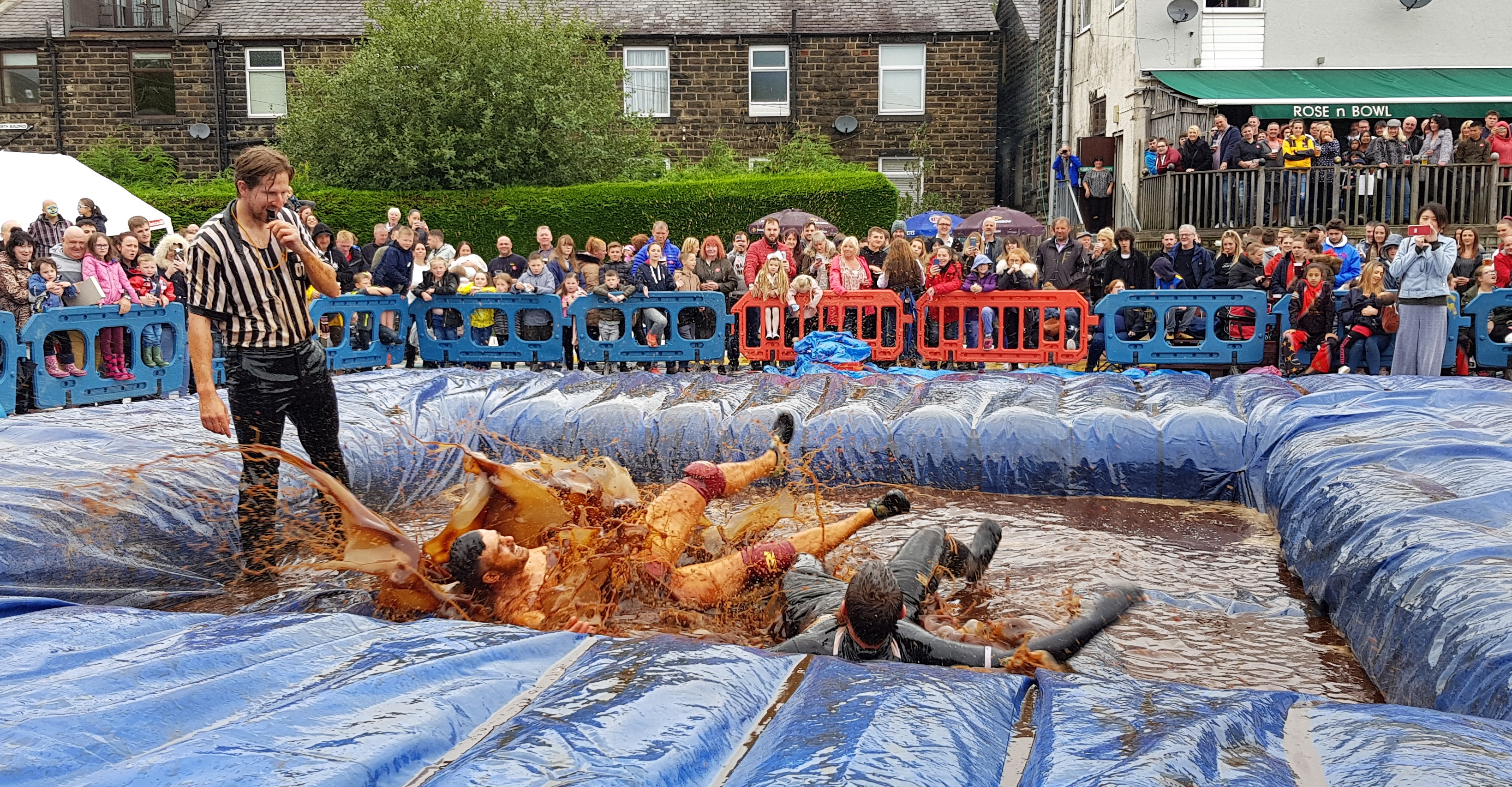 Gravy Wrestling 2018 - All Black Pudding Natures Gravy 7