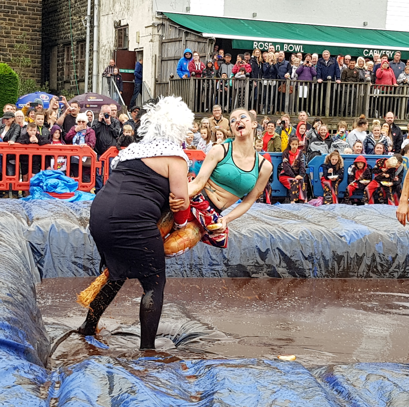 Gravy Wrestling 2018 - Cruella de gravy and Britains next top muffin 2