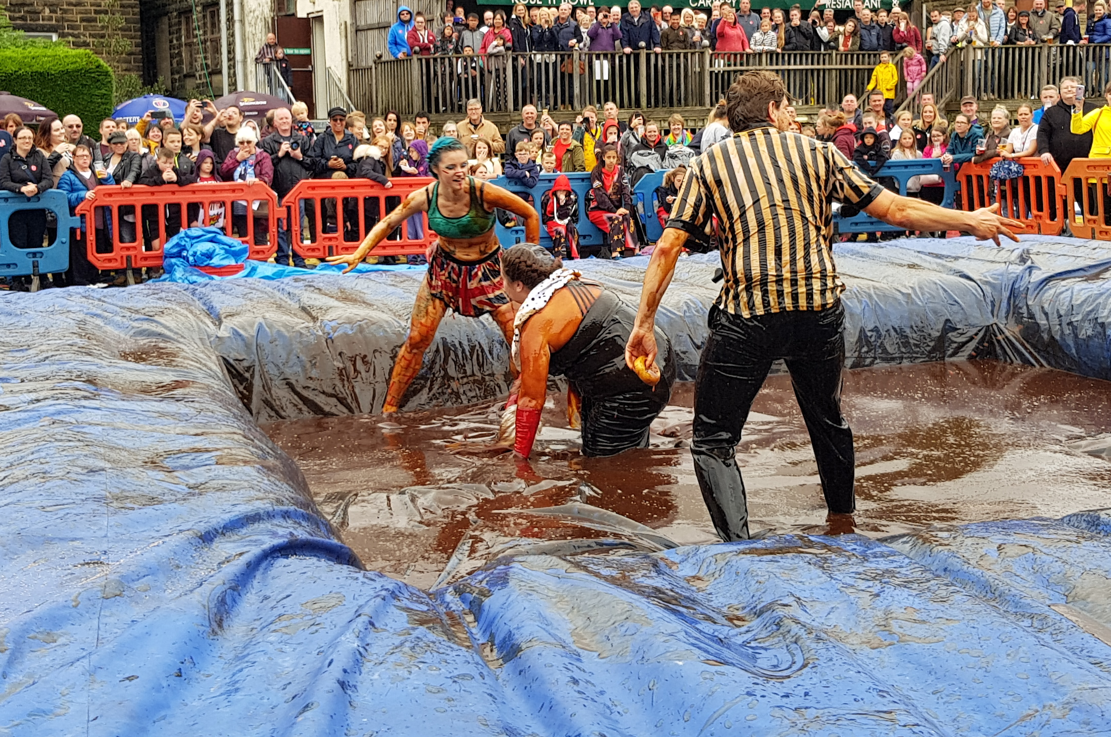 Gravy Wrestling 2018 - Cruella de gravy and Britains next top muffin 3