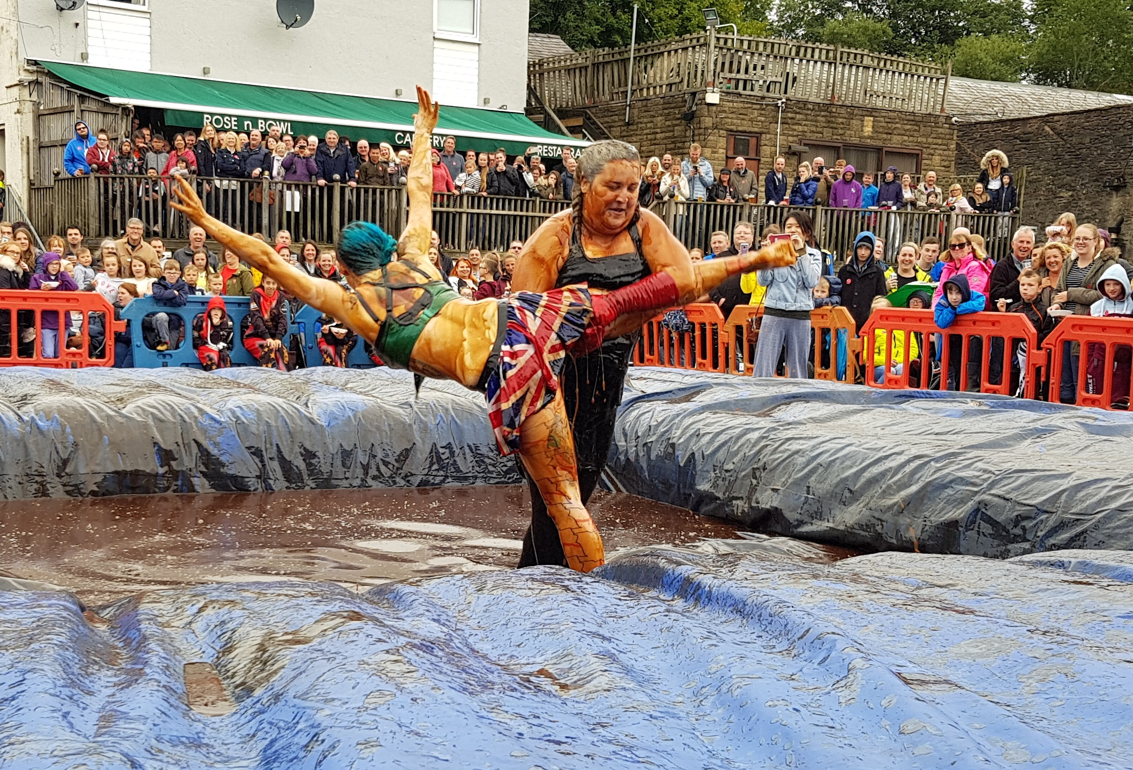 Gravy Wrestling 2018 - Cruella de gravy and Britains next top muffin 8