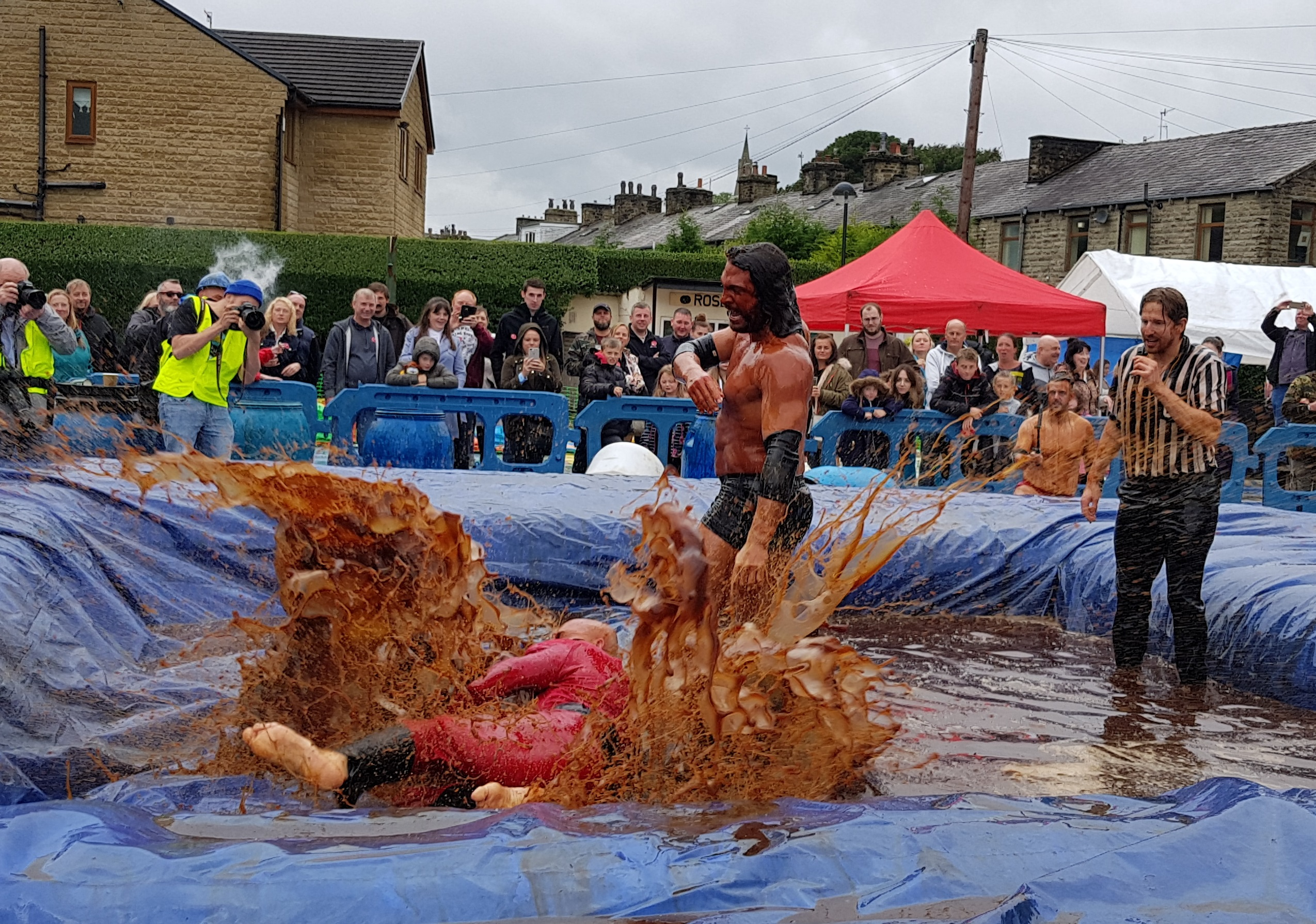 Gravy Wrestling 2018 - Mud Man Incredibly slippy 3
