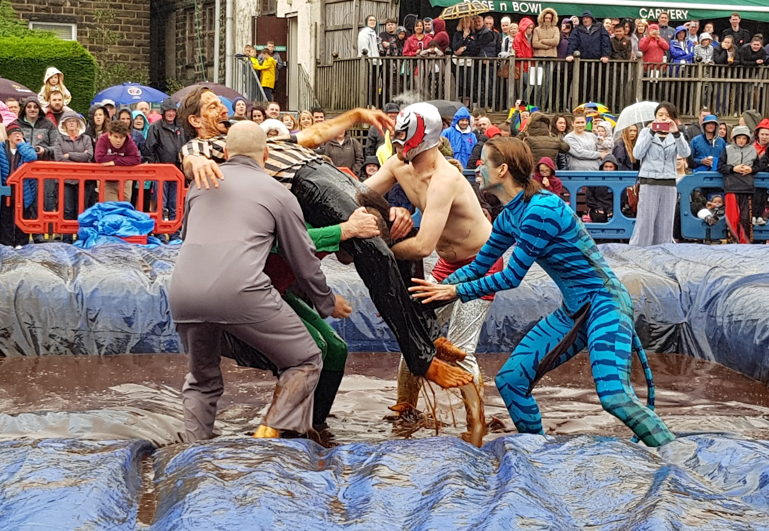 Gravy Wrestling 2018 - lifting the ref 1