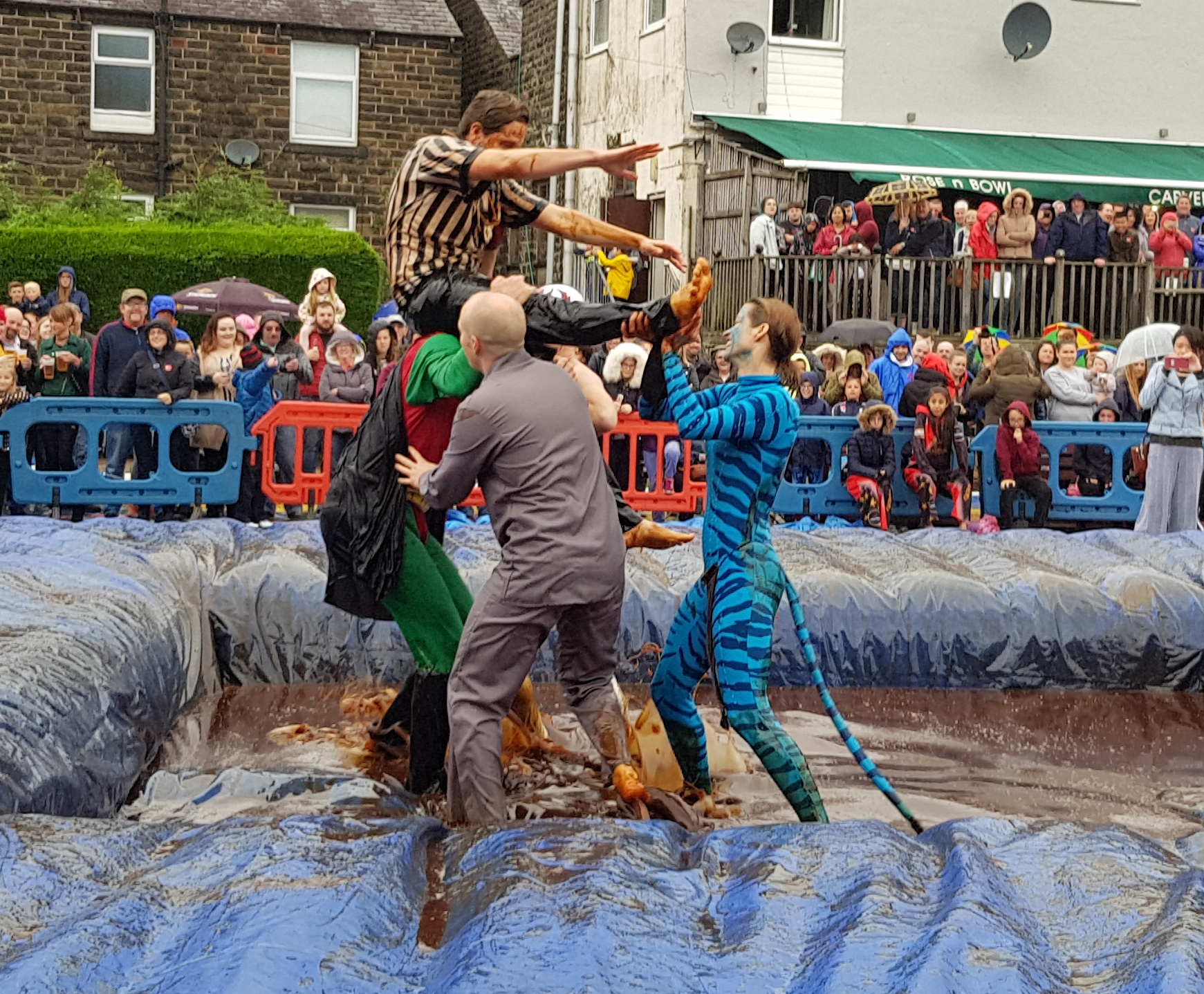 Gravy Wrestling 2018 - lifting the ref