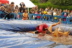 Gravy Wrestling 2018 - Incredibly Slippy and Mud Man